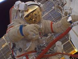 Космонавты Котов и Рязанский внепланово выйдут в открытый космос