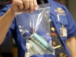 Запрет на провоз жидкостей в самолетах связан с угрозой терактов