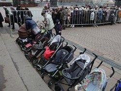 Время ожидания в очереди к Дарам волхвов увеличилось до 12 часов