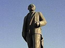 Киев: на месте памятника Ленину евроинтеграторы поставили унитаз