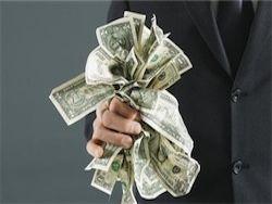 Банк России в январе удвоил чистые продажи долларов