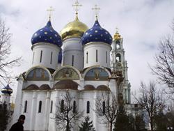 Гастарбайтерам покажут Кремль и Троице-Сергиеву лавру