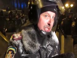 Украинцы: Слава Беркуту! Героям слава!