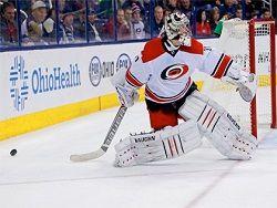 Российский вратарь признан первой звездой месяца в НХЛ