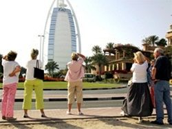 Дубай объявил о введении налога на туристов