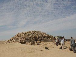 """В Египте откопали """"провинциальную"""" пирамиду"""