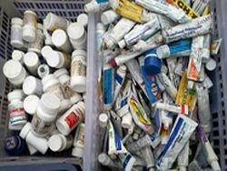 "Кыргызстан: антибиотики с базы ""Манас"" наносят вред?"