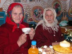 """Россиянам предлагают """"усыновлять"""" пожилых людей"""