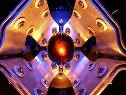 Новость на Newsland: 14000-тонный детектор зарегистрировал первые нейтрино