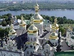 Боевики требуют передать Киево-Печерскую лавру Филарету