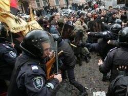 Шведы-неонацисты помогают украинским единомышленникам