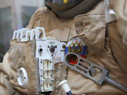 Российские космонавты получат новые скафандры