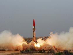 Пакистан успешно испытал ракету малой дальности