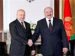 Новость на Newsland: Лукашенко обсудил с Турчиновым ситуацию на востоке Украины