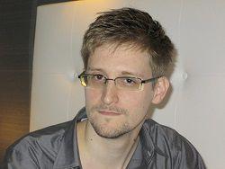 Новость на Newsland: Сноудена пригласили в жюри премии Internet Media Awards