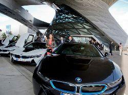 Новость на Newsland: BMW продал первый автомобиль с лазерными фарами