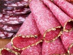 Обработанное красное мясо губительно для сердца мужчин