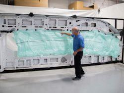 В Ford разработали самую длинную подушку безопасности