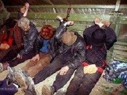 Новость на Newsland: Белорус взял в рабство 16 нелегалов из Вьетнама