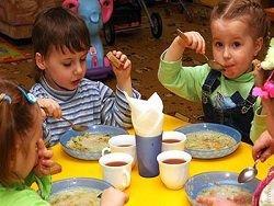 Новость на Newsland: Казань: зачем наших детей загоняют в халяльные детсады?