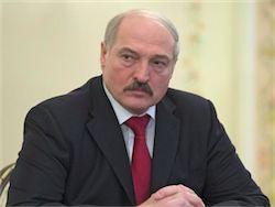 Новость на Newsland: Лукашенко попросил не наделять его лаврами миротворца