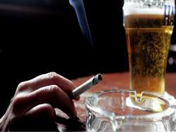 Новость на Newsland: Чем дороже сигареты, тем люди меньше пьют