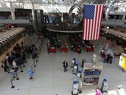 Новость на Newsland: В аэропорту Нью-Йорка введен усиленный контроль пассажиров