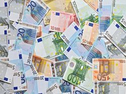 На newsland евро обновил рекордный курс