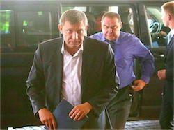 Новость на Newsland: Захарченко и Плотницкий лидируют на выборах глав ДНР и ЛНР