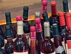 Новость на Newsland: Импортеры прекратили поставки вина в магазины из-за обвала рубля