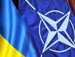 Новость на Newsland: Ганапольский: РФ буквально запихивает Украину в НАТО
