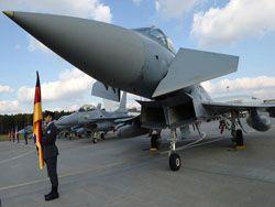 НАТО учит польских лётчиков использовать ядерное оружие