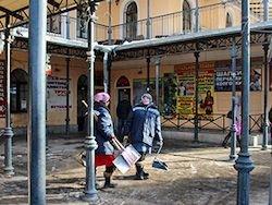 Новость на Newsland: В Петербурге дворников-мигрантов заменят трудные подростки