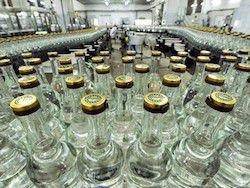 Новость на Newsland: В России впервые снизится минимальная цена на водку
