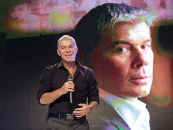Телеканал Коломойского проверят из-за песни Газманова