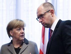 Новость на Newsland: Меркель призвали повлиять на Яценюка для защиты жителей Донбасса