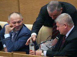 В России дешевеет водка и отменяется запрет на рекламу вин