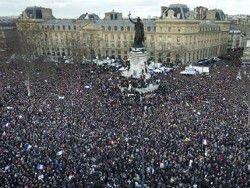 Новость на Newsland: В Париже начался марш единства в память о погибших в терактах