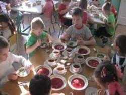 В Евпатории родителям приходится покупать продукты для детсадов