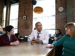 """Американцы назвали Обаму """"хорошим"""" и """"некомпетентным"""""""