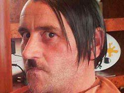 Лидер PEGIDA предстал в образе Адольфа Гитлера