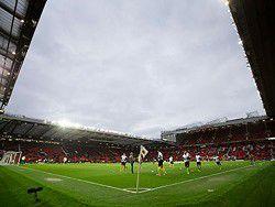 """Стадион """"Манчестер Юнайтед"""" подвергся нашествию мышей"""