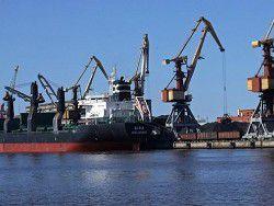 Россия объявила об уменьшении транзита через порты Латвии