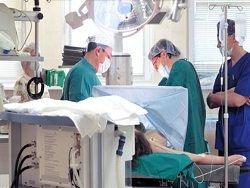 Украинских врачей переведут на гонорары