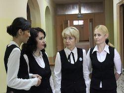 Российских учителей собираются одеть в униформу