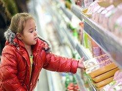 Дворкович одобрил заморозку цен на продукты