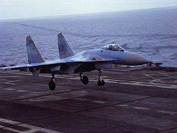 Российские истребители приступили к учениям над Баренцевым морем