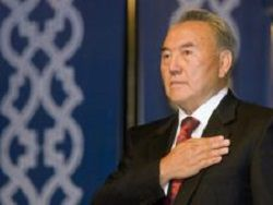Зачем Назарбаеву досрочные выборы?