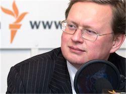 Новость на Newsland: Дорогие россияне стремительно дешевеют, и это только начало