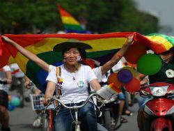 Новость на Newsland: Вьетнам отменил запрет на однополые браки